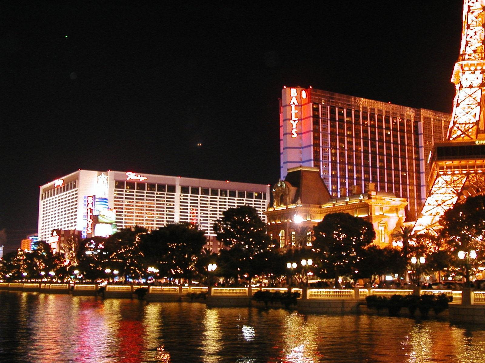 Vegas strip restaurant coupons