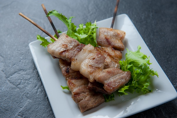 yakitori skewered grilled chicken dish displayed on plate